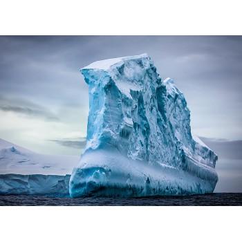 Natural phenomenon. Iceberg