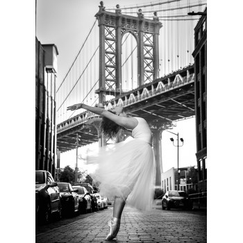 Ballerina and the city