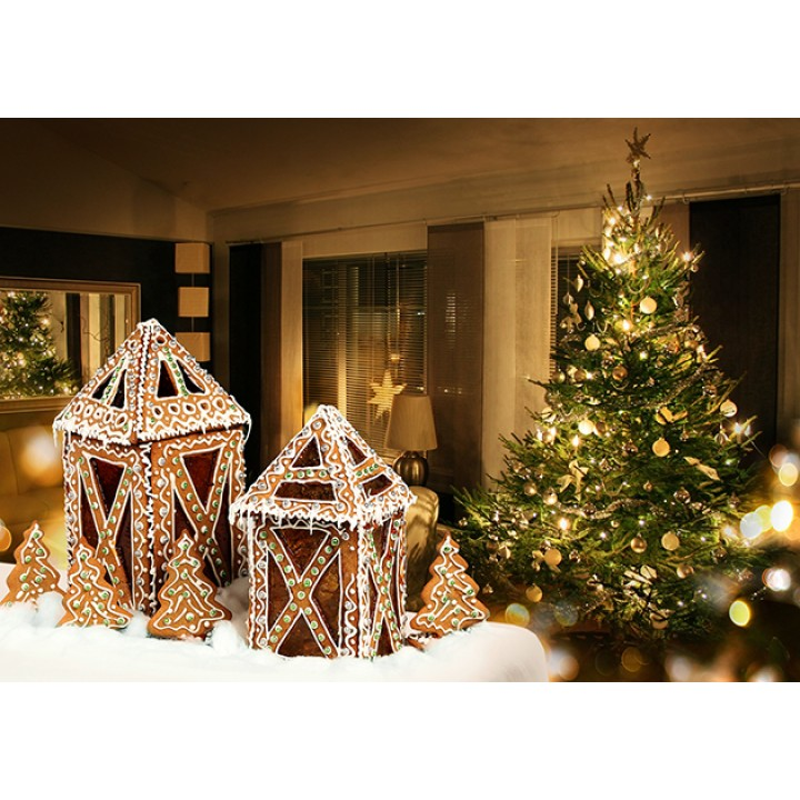 Gingerbread lanterns and Christmas tree