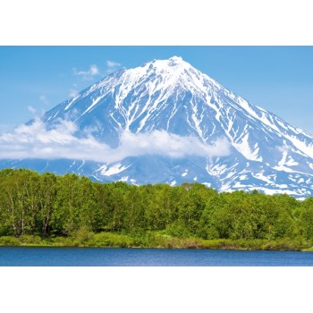 Magic volcanoes of Kamchatka.UNESCO.
